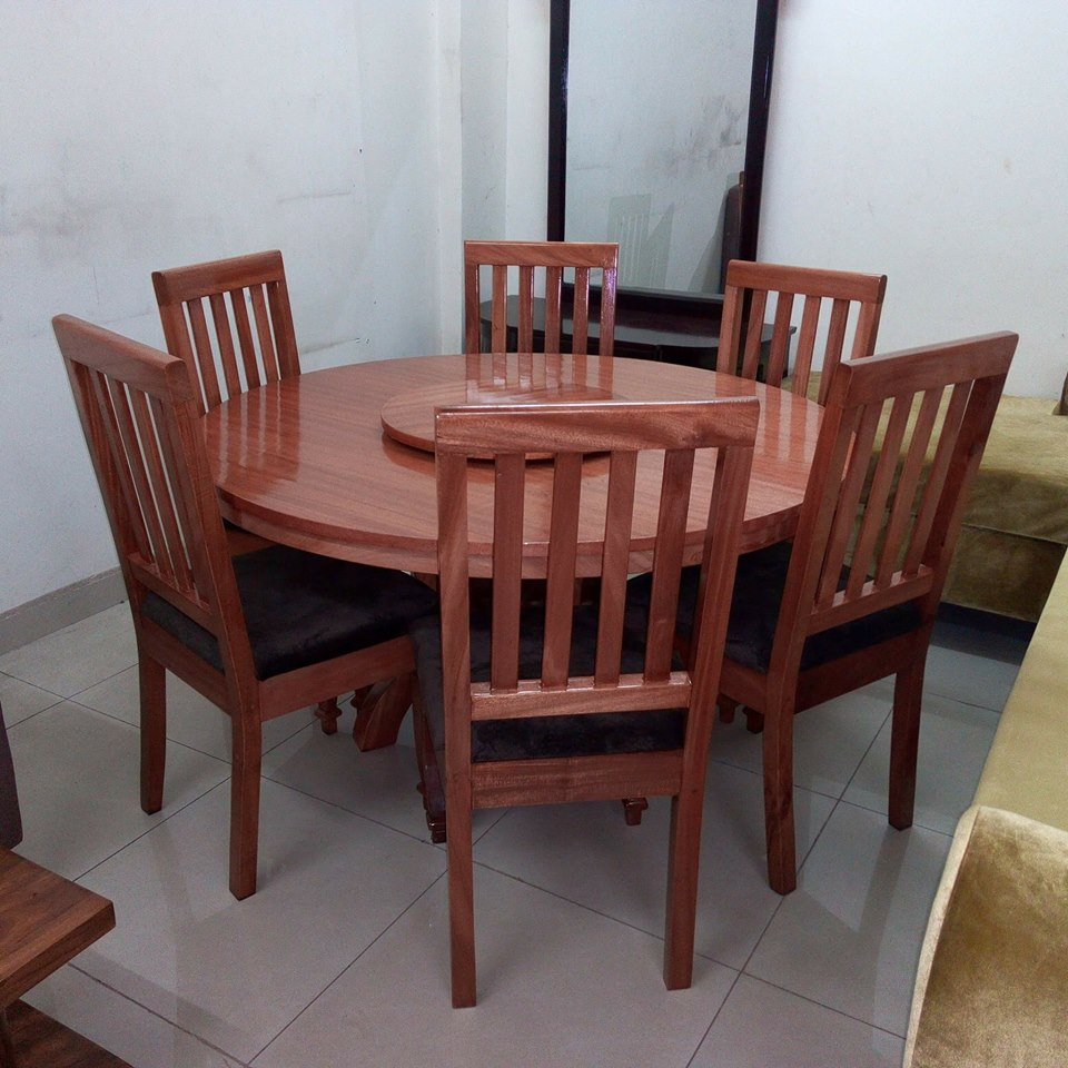 Nice six seater dinning table from The Furniture Workshop