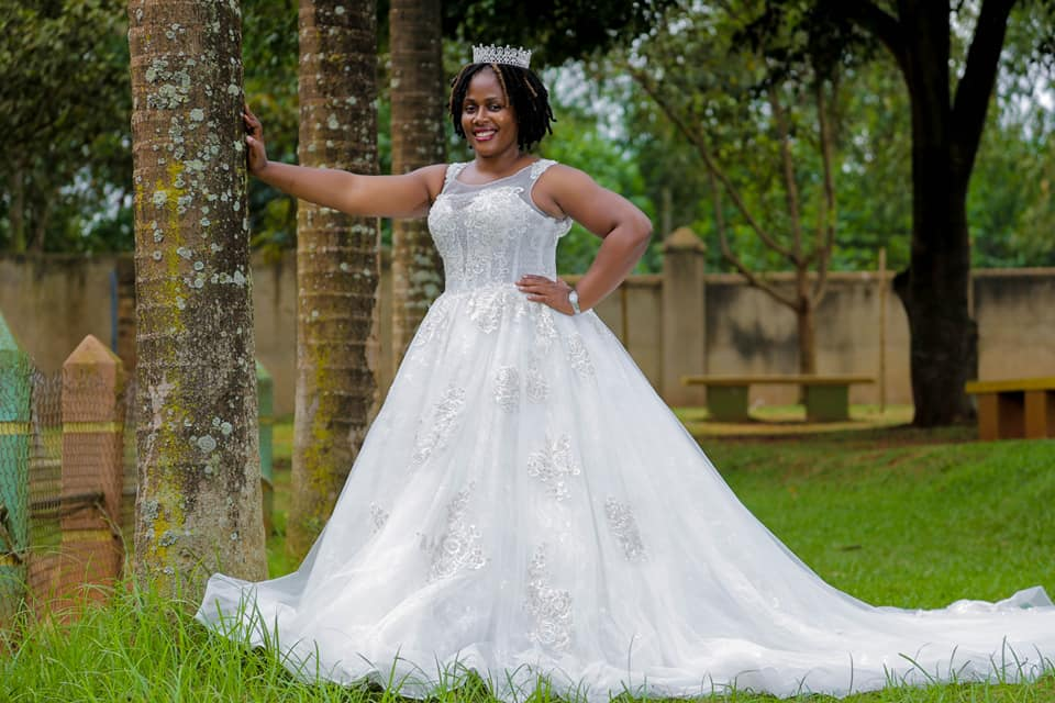 Gorgeous wedding dresses with Mera Collections