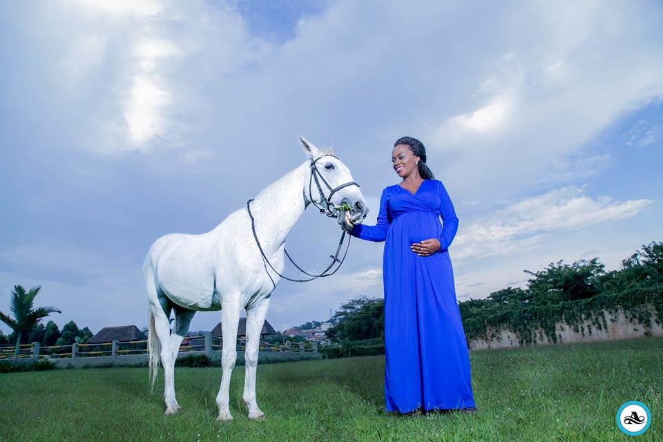 Esther's Baby Bump shoot by Alexander Photography