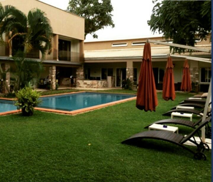 Cafe Mamba Pool side