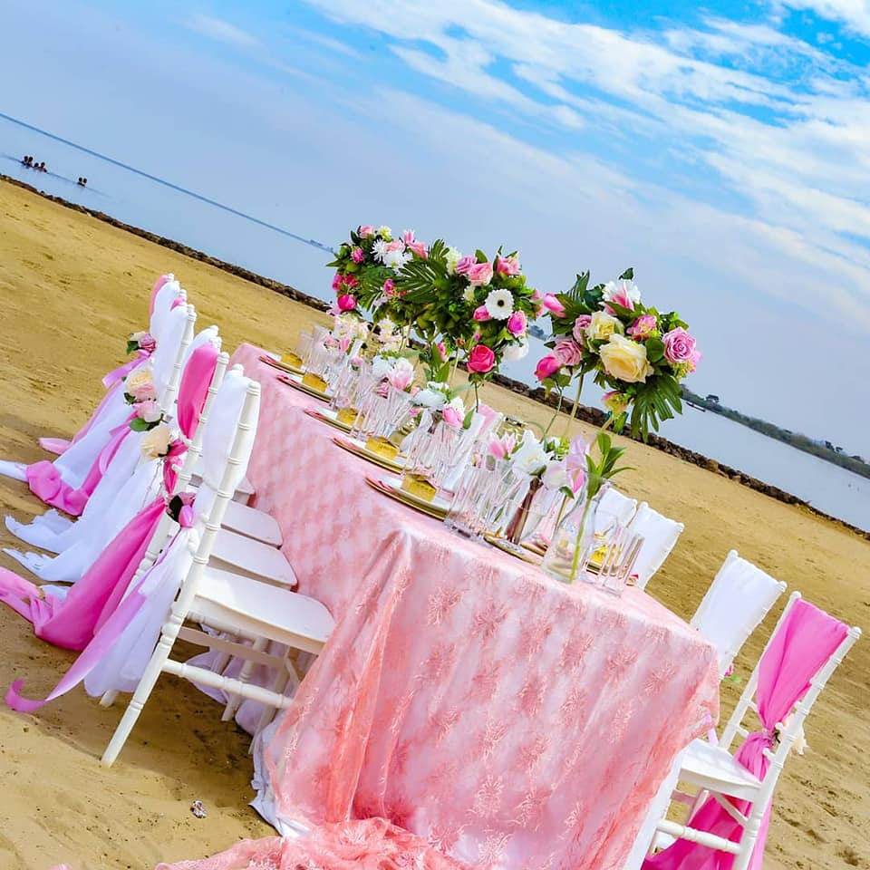 Girly girl's dinner decor at One Love Beach Busabala